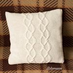 poszewka na poduszkę robiona na drutach z warkoczem sistermoon